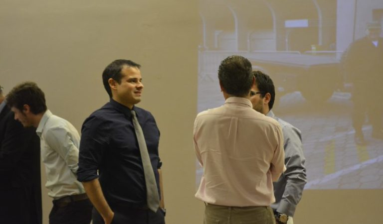 Dr. Carlos Dorileo, especialista em Medicina do Esporte, atende no Instituto Mood