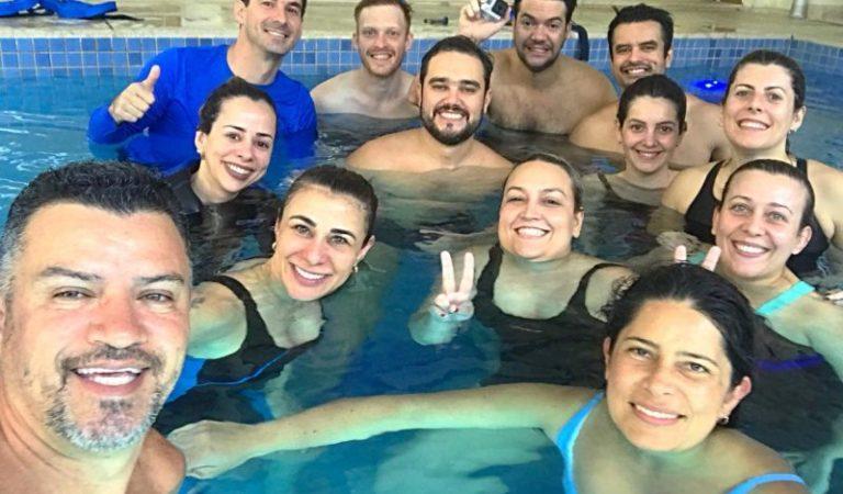 Equipe do Instituto Mood aprimora técnicas de terapias aquáticas